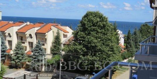 Просторен апартамент в с.Равда,70м. от морето