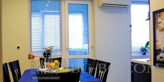 Просторен апартамент във Варна