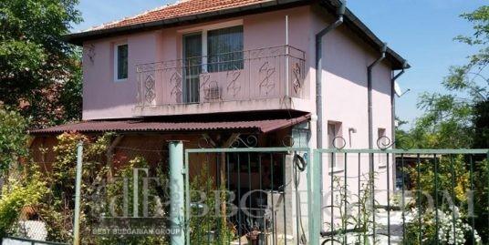 Дом в селе Ливада
